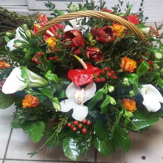 Цветочная корзина: букеты цветов на заказ Flowwow