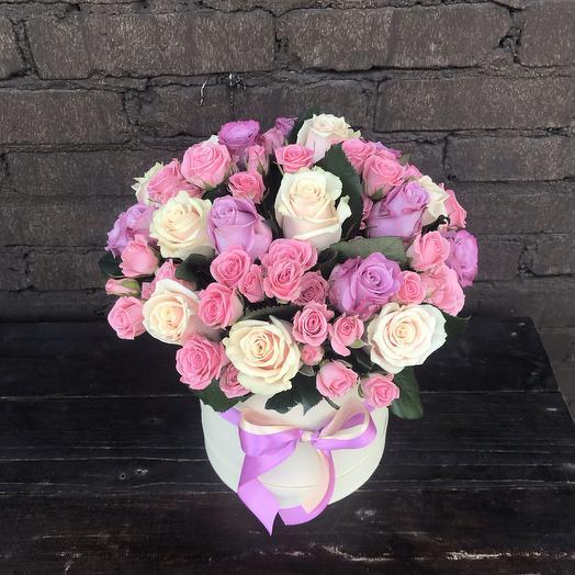 Коробка роз « Счастливый день»: букеты цветов на заказ Flowwow