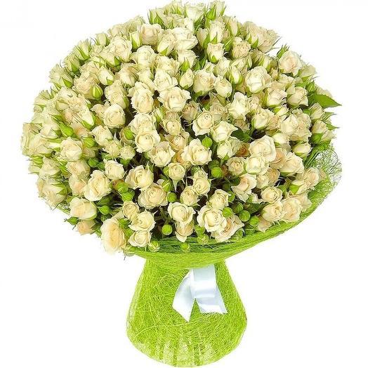Букет из 51 белой кустовой розы: букеты цветов на заказ Flowwow