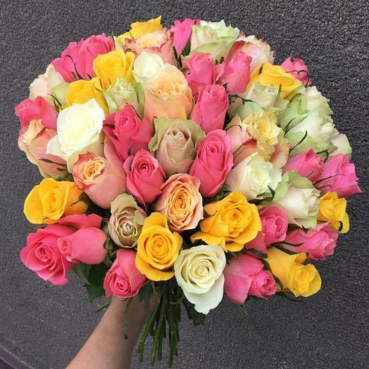 Букет из 51 розы Кения микс: букеты цветов на заказ Flowwow