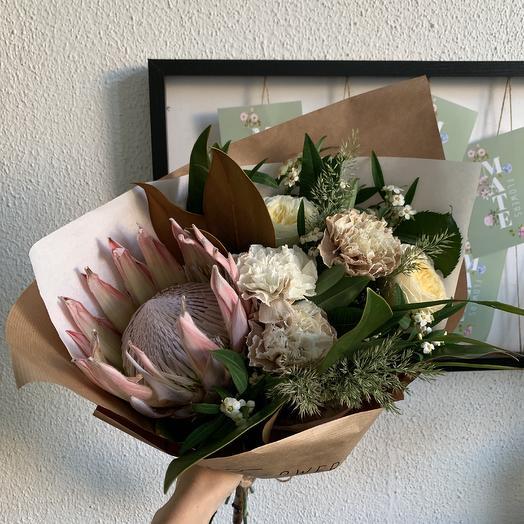Лесной с протеей: букеты цветов на заказ Flowwow