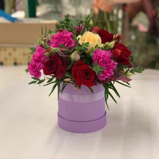 Композиция из Роз и Гвоздик: букеты цветов на заказ Flowwow