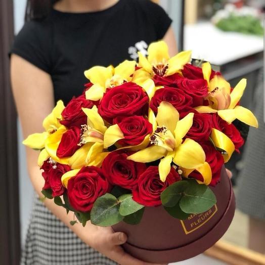 Роза и орхидея в шляпной коробке: букеты цветов на заказ Flowwow