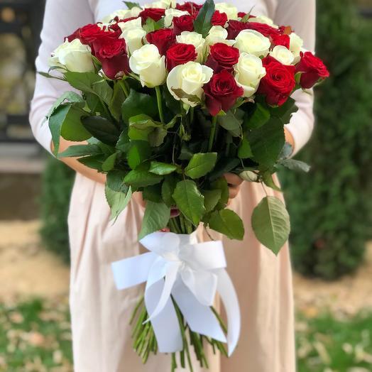 """Букет 51 роза """"Микс в классике"""""""