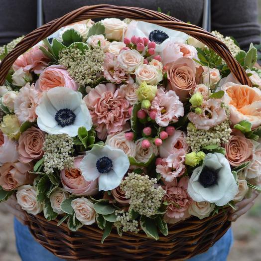 "Корзина с цветами ""Нефертити"": букеты цветов на заказ Flowwow"