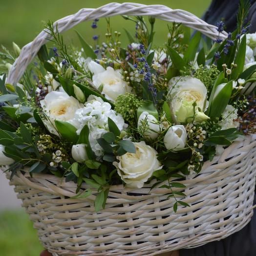 "Корзина с цветами ""Ренессанс"": букеты цветов на заказ Flowwow"
