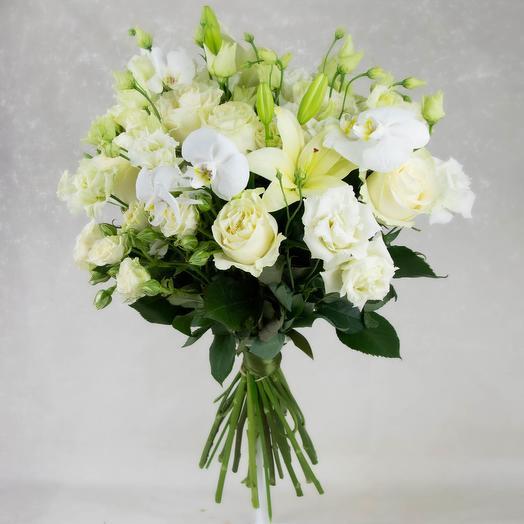 Букет роз с лилиями и орхидея