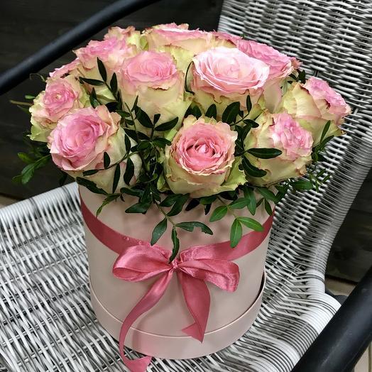 Розовая коробка