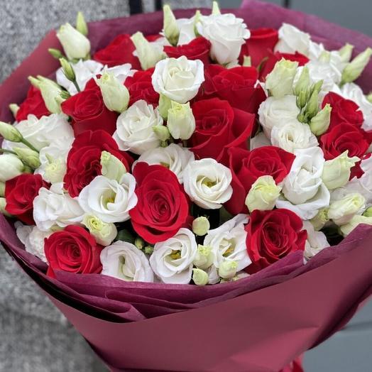 Розы и эустома