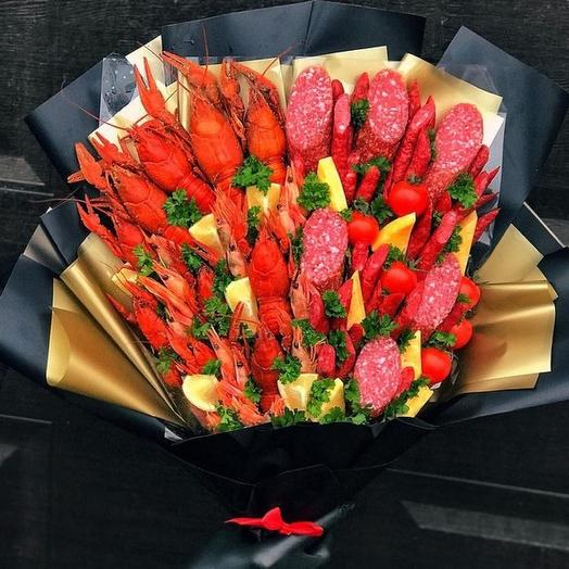 Bouquet of crayfish and sausages