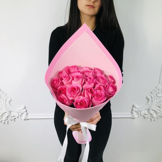 Стильный букет из 19 Розовых роз