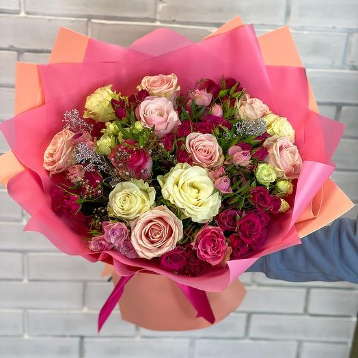 Juicy mix of roses