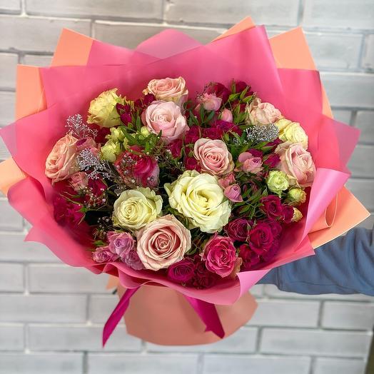 Сочный микс из роз