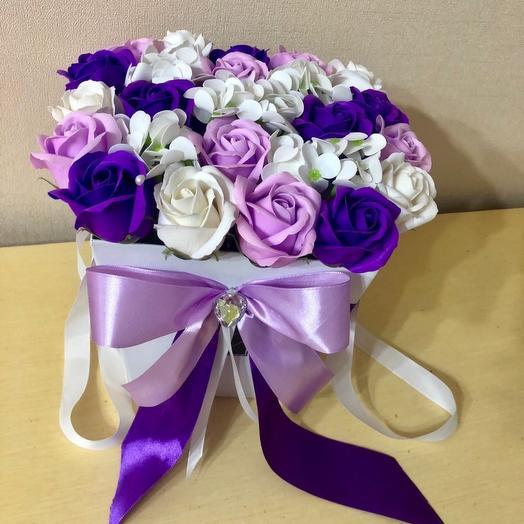 Мыльные цветы в коробочке с бантом