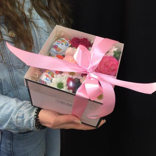 Цветы в коробке с киндер сюрпризом