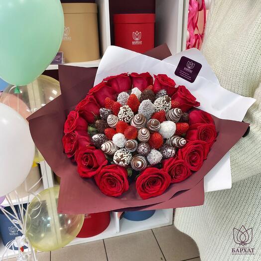 Розалита с красными розами