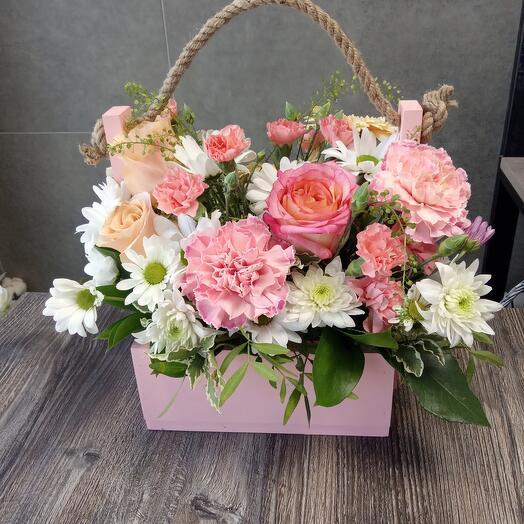 Ящик с цветами 5