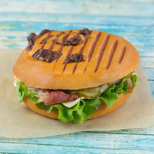Сендвич Панини с беконом