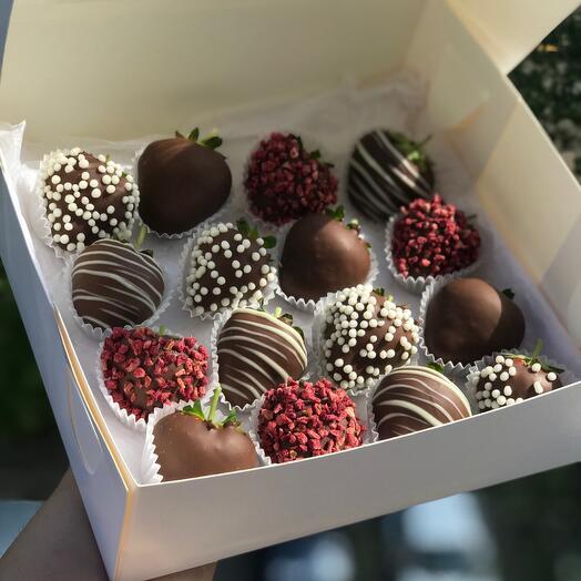 Клубнички в шоколаде