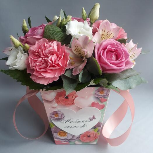 Цветы в коробке для Любимой Мамочки