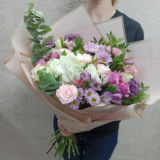 Шикарный букет с красивыми цветами
