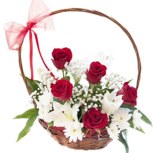 Подарочная корзина: букеты цветов на заказ Flowwow