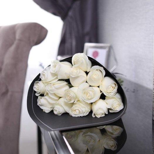 Букет из 15 роз Proud