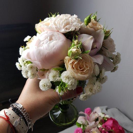 Композиция в бокале: букеты цветов на заказ Flowwow