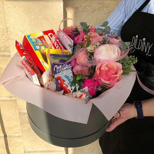 Микс со сладостями: букеты цветов на заказ Flowwow