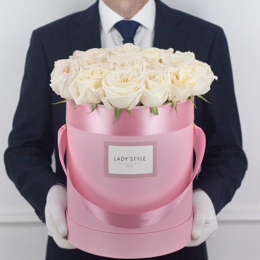 Ароматные эквадорские розы White O Hara в шляпной коробке L
