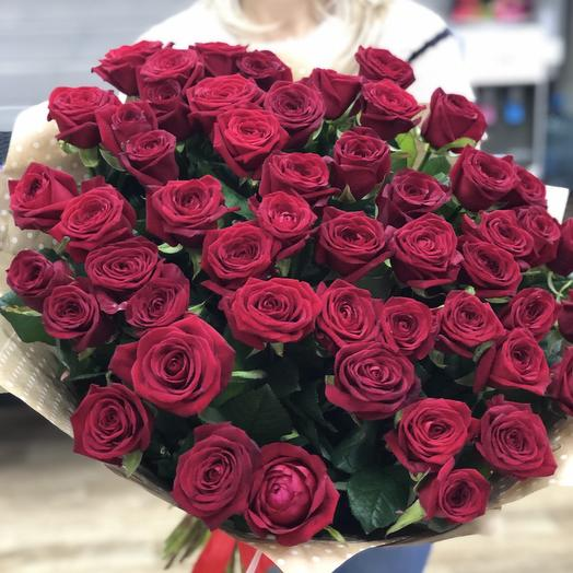 Объёмный букет 51 красных роз 60 см: букеты цветов на заказ Flowwow