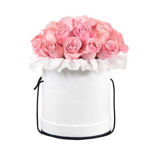25 роз Премиум в шляпной коробке: букеты цветов на заказ Flowwow