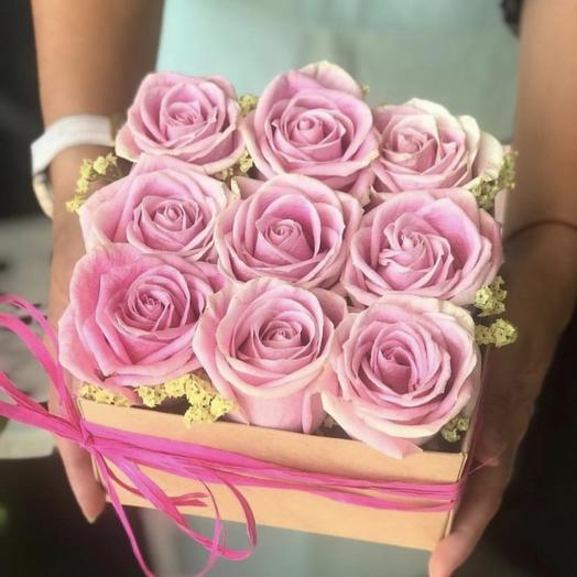 КОРОБОЧКА С РОЗАМИ НЕЖНОСТЬ: букеты цветов на заказ Flowwow