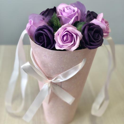 Букетик из сиреневых мыльных роз: букеты цветов на заказ Flowwow
