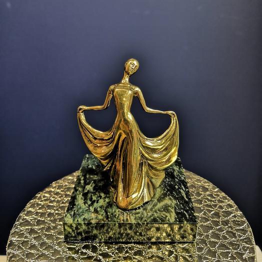 Антикварная бронзовая статуэтка: букеты цветов на заказ Flowwow