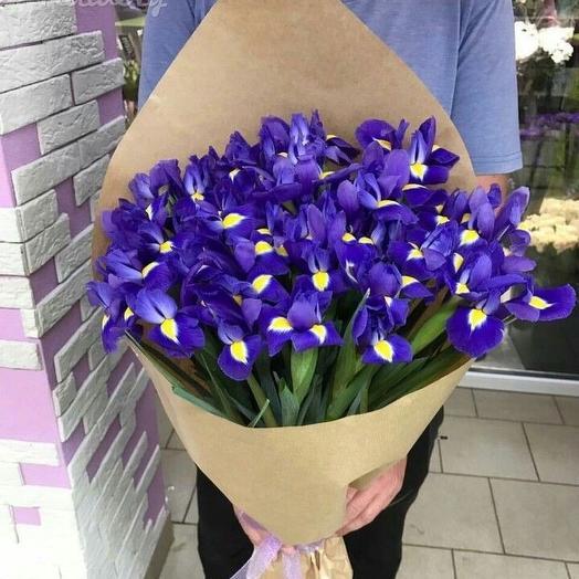 Ирисы 49 шт в крафте: букеты цветов на заказ Flowwow
