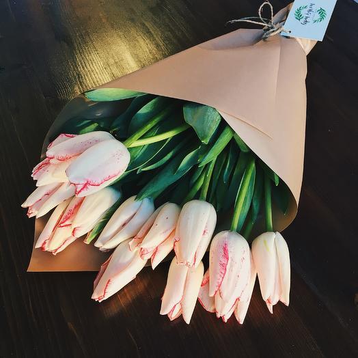 11 тюльпанов любимой