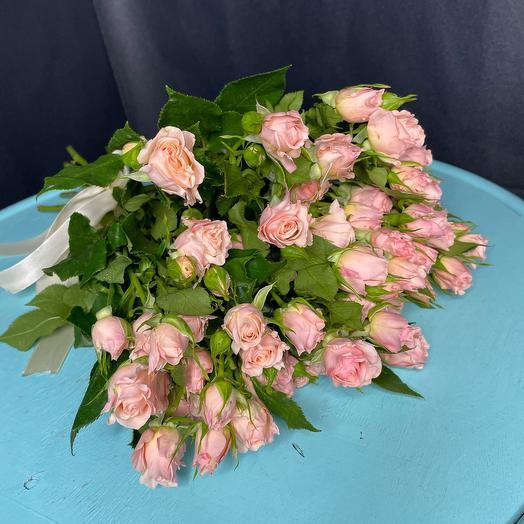 Моно букет из 9 кустовых роз