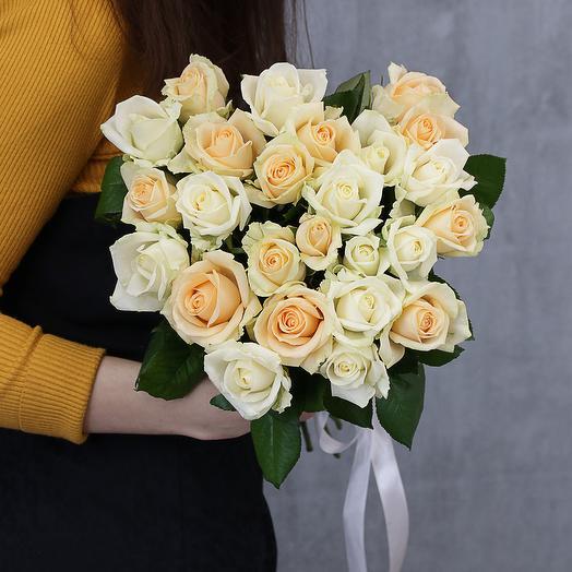 25 нежных роз микс 50 см