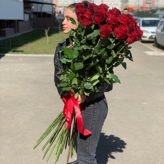 25 красных  роз 100см