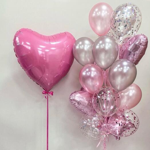 Фонтан воздушных шаров с сердцем