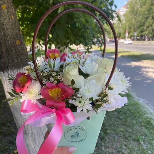 Цветы в сумочке «Тиффани»