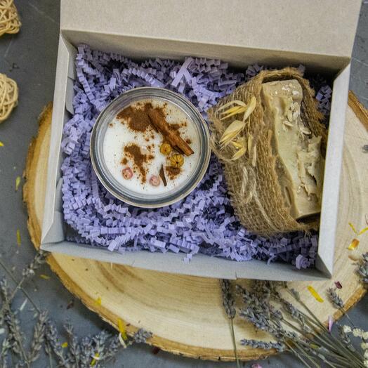 Подарочный набор 2 с большой свечей и мылом