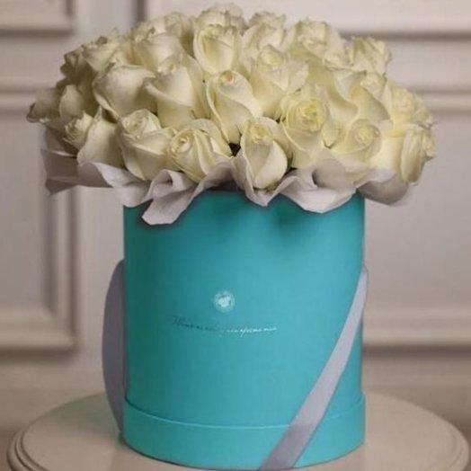 БЦ 157012 Белые розы в шляпной коробкке: букеты цветов на заказ Flowwow