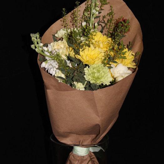 Яркий кулек: букеты цветов на заказ Flowwow