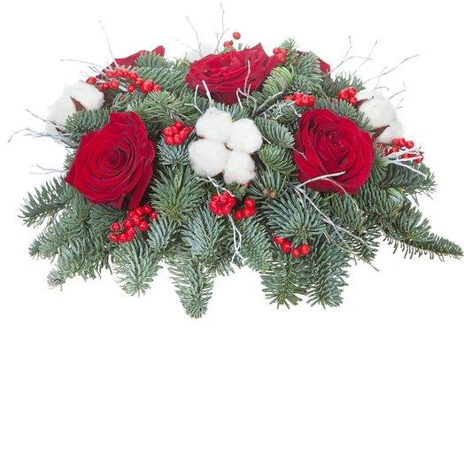 Новогодняя композиция Зимние хлопоты: букеты цветов на заказ Flowwow