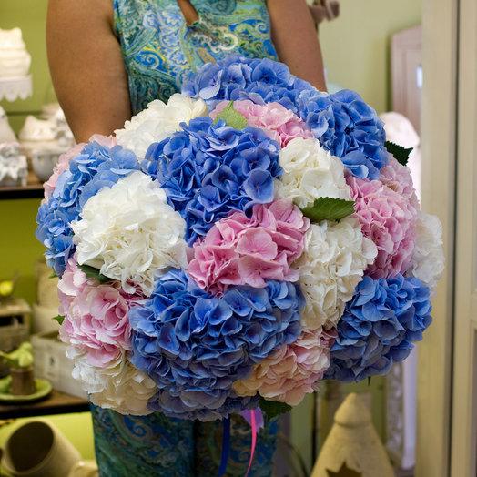 Букет из гортензий Разноцветные облака: букеты цветов на заказ Flowwow