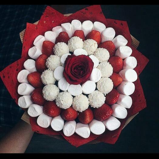 Клубничный букет «нобилис»: букеты цветов на заказ Flowwow