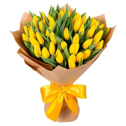 35 жёлтых тюльпанов: букеты цветов на заказ Flowwow