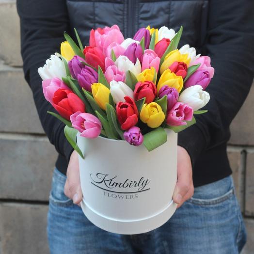 35 тюльпанов в коробке